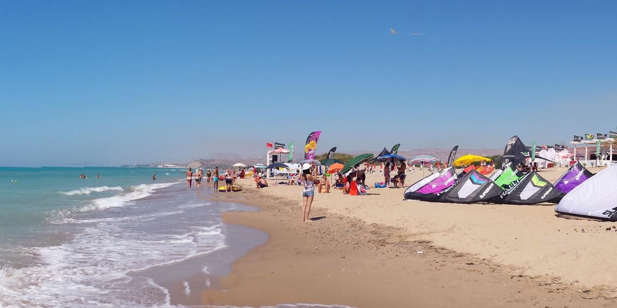 http://www.kitesurfsicily.com/
